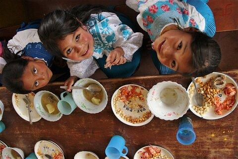 Los agricultores contribuyendo a la alimentación escolar