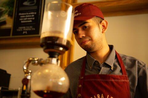 La taza de café que cambió la vida de Moisés