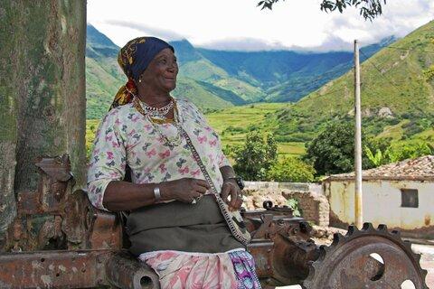 Partera y guardiana de los saberes ancestrales en Ecuador