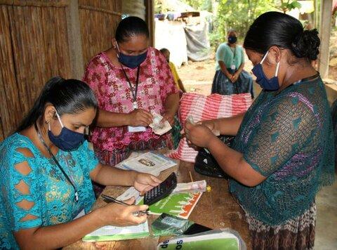 Guatemala: Educación financiera empodera a mujeres indígenas