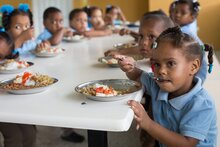 ONU respalda decisión de la República Dominicana de continuar suministro de alimentos a través del Programa de Alimentación Escolar