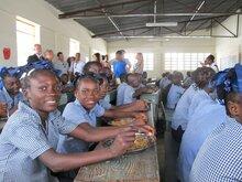 Haití: 43.000 niños recibirán comidas escolares preparadas con productos comprados a pequeños agricultores